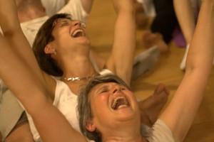 yoga della risata.4