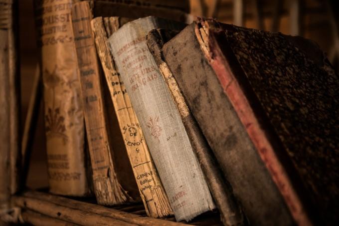 old-books-436498_1280