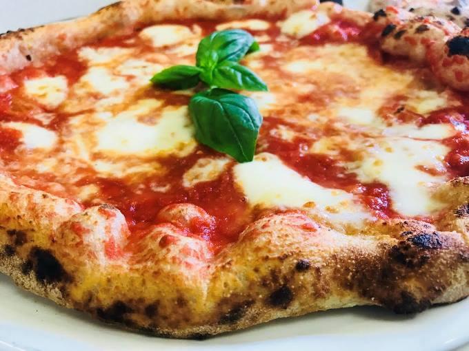 Pizza in villa